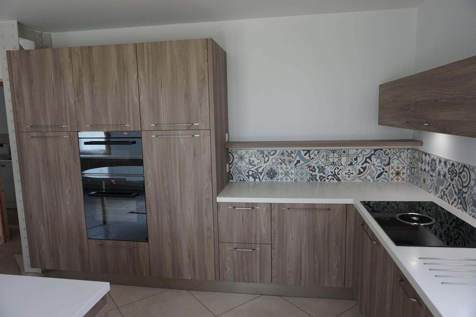 cuisines odyss e. Black Bedroom Furniture Sets. Home Design Ideas